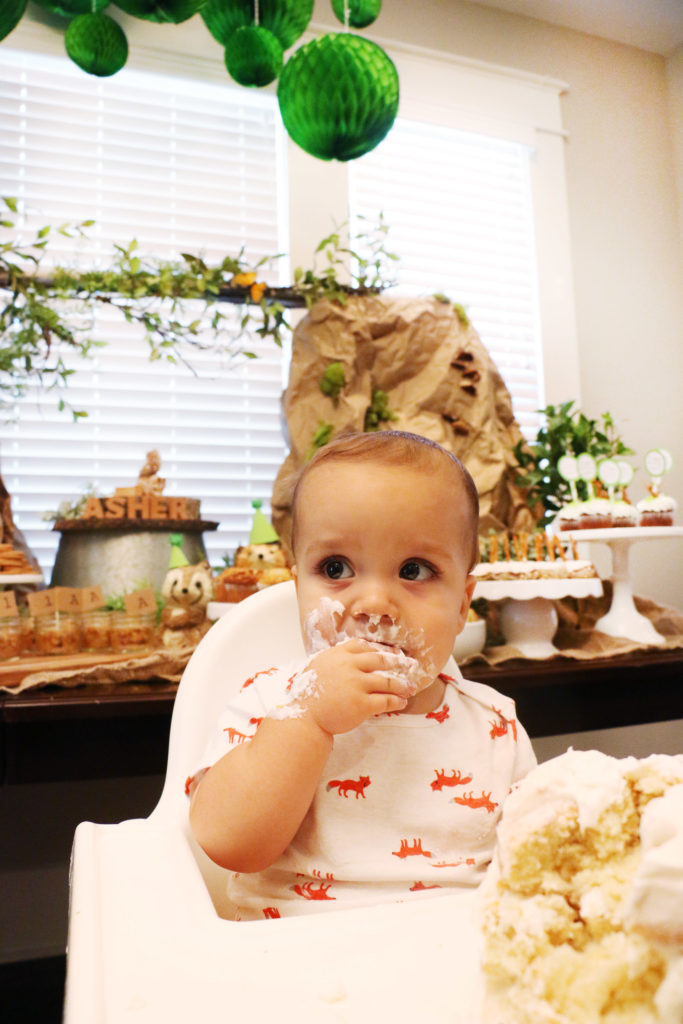asher-woodland-themed-first-birthday-cake-time-4